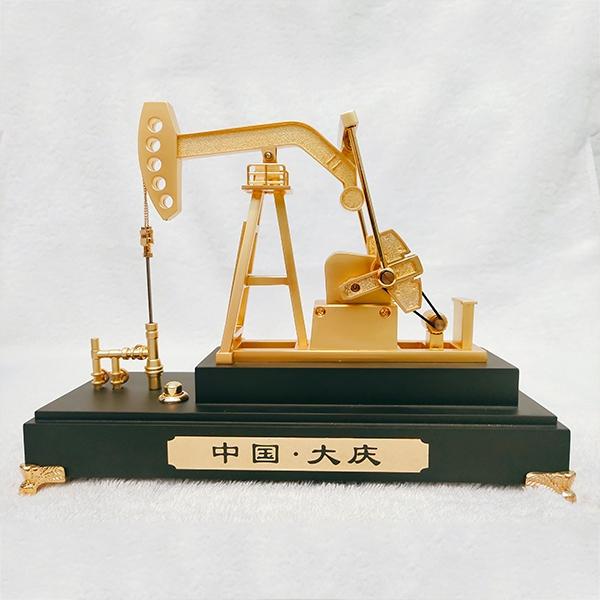 锌合金电动抽油机模型(黑色)