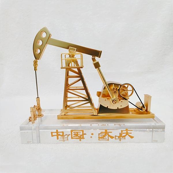 水晶抽油机模型