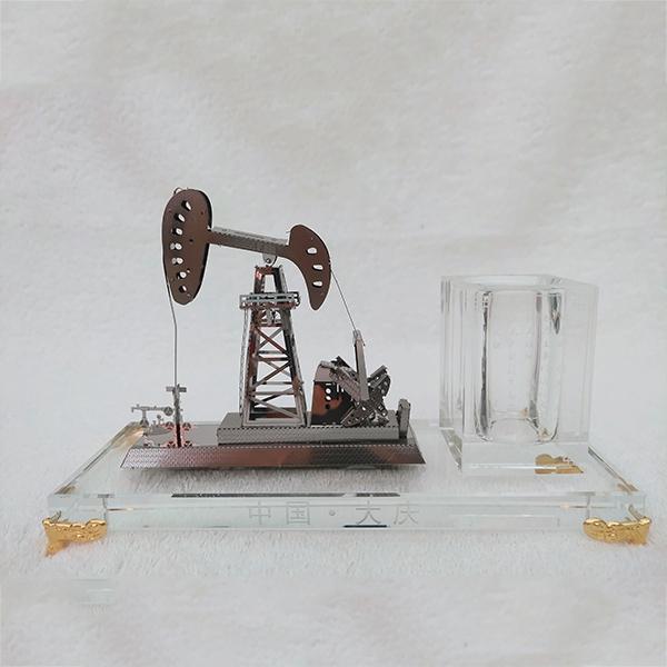 水晶组合笔筒抽油机模型